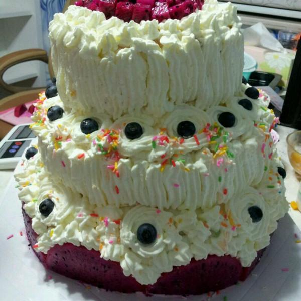 samly做的三层生日蛋糕的做法