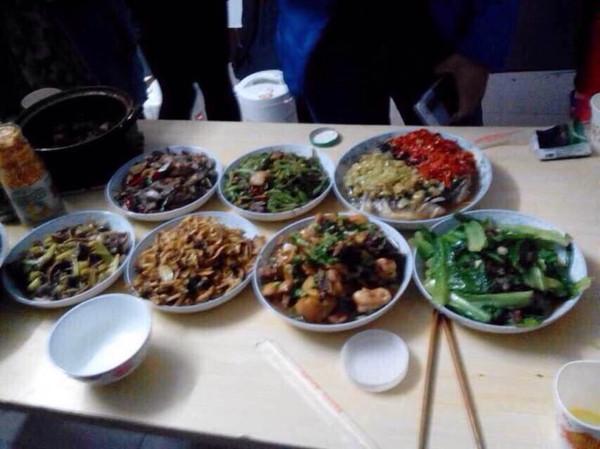 2个人的冬日 晚餐搭配:1荤3素品种多样,这样吃美味又,图片尺寸:3527×