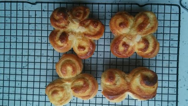 结椰蓉面包的做法