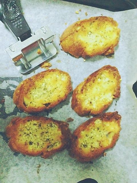 法式香蒜面包图片