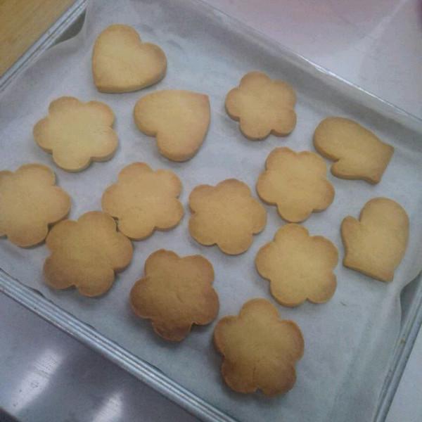 玉米酱做的可爱造型饼干的做法