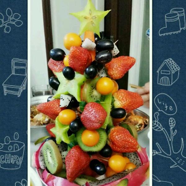 宁宝贝做的水果圣诞树的做法