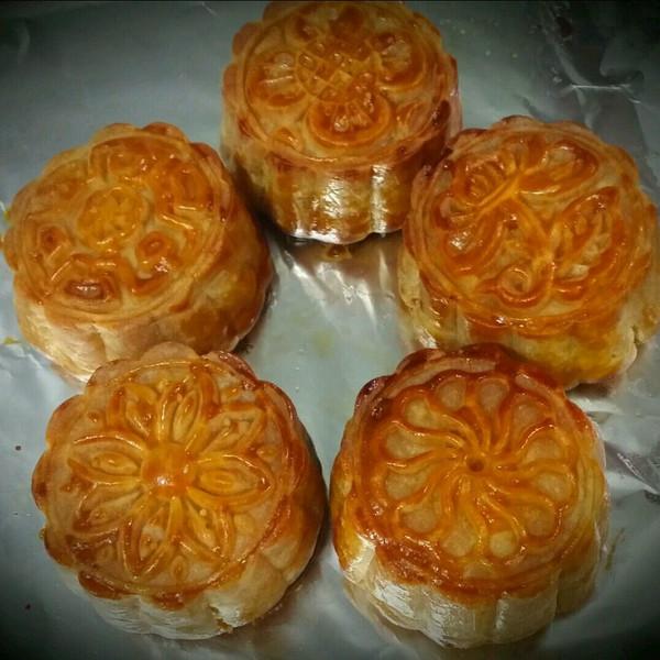 冰冰麒麟做的广式月饼.莲蓉蛋黄月饼--【食心食意】的
