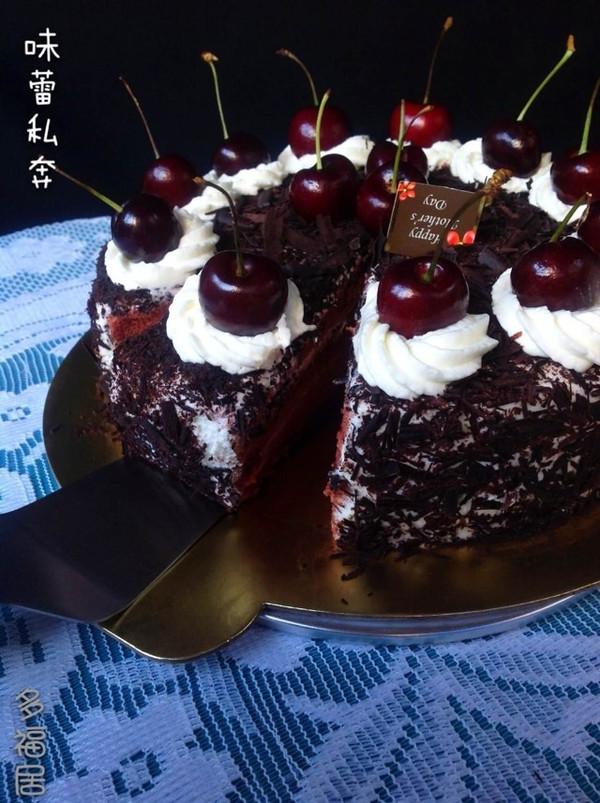 没有樱桃的黑森林蛋糕