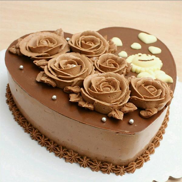 莲做的巧克力慕斯蛋糕的做法