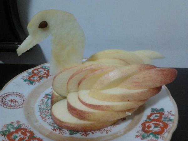 """彩虹约定1做的""""苹果天鹅""""手把手教你拼盘装饰!"""
