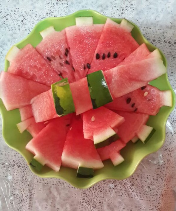 曹小一做的西瓜的五种切法的做法