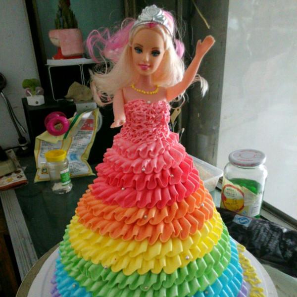 彩虹芭比娃娃图片