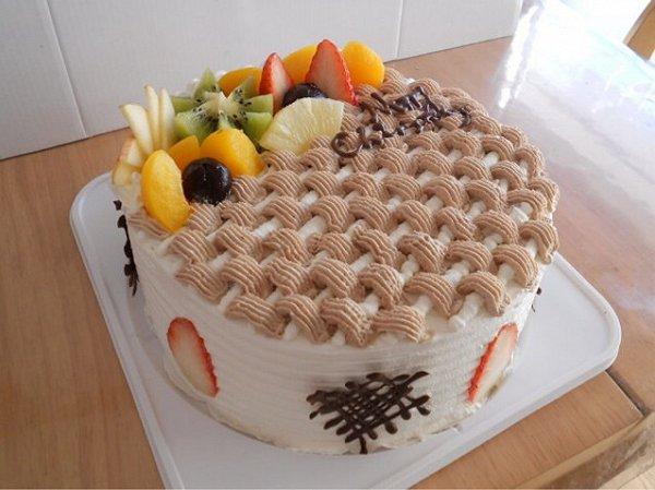 小红果儿做的欧式水果蛋糕的做法
