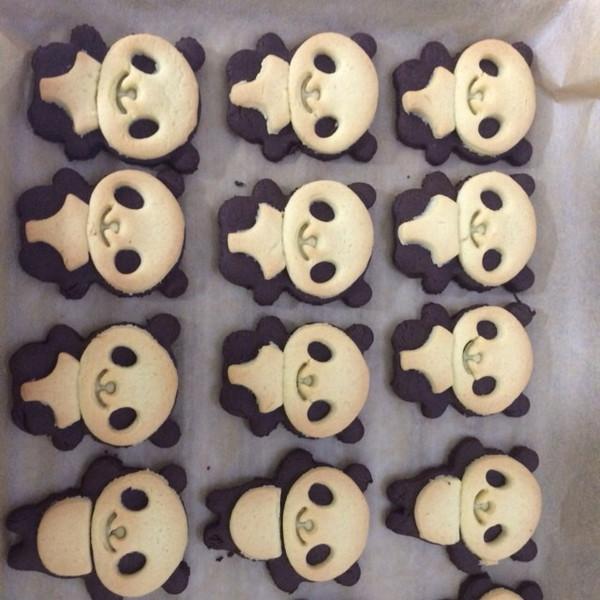 小肉球球的超萌熊猫饼干做法的学习成果照