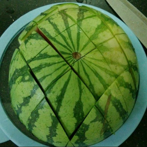 奋青老朱做的西瓜的五种切法的做法