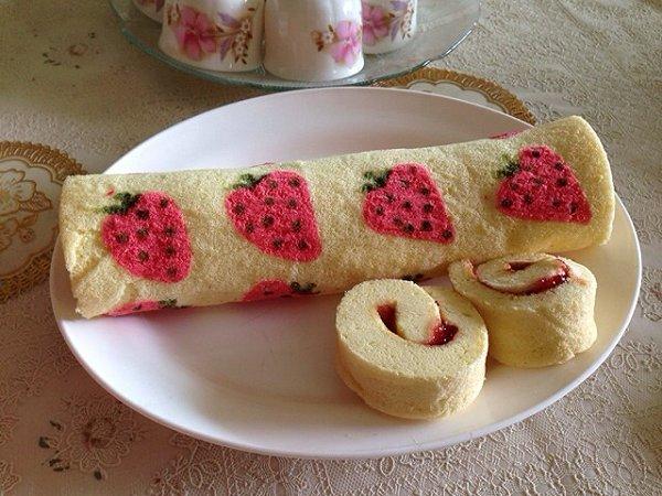 小珊瑚做的手绘草莓蛋糕卷 长帝烘焙节 的做法 豆果美食
