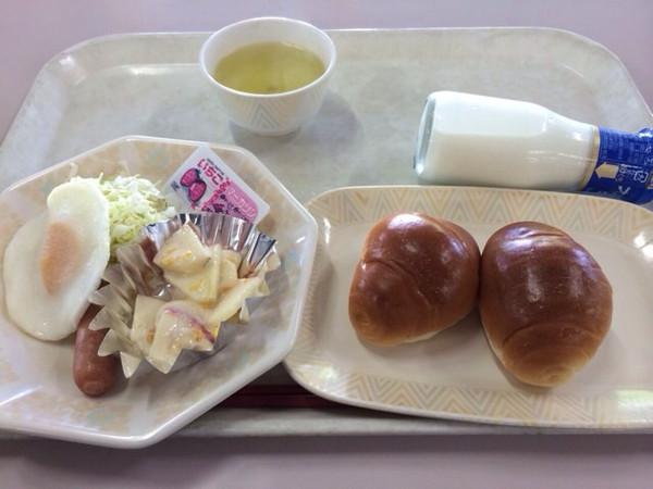 小动物粉做的学校的早餐的做法_豆果美食