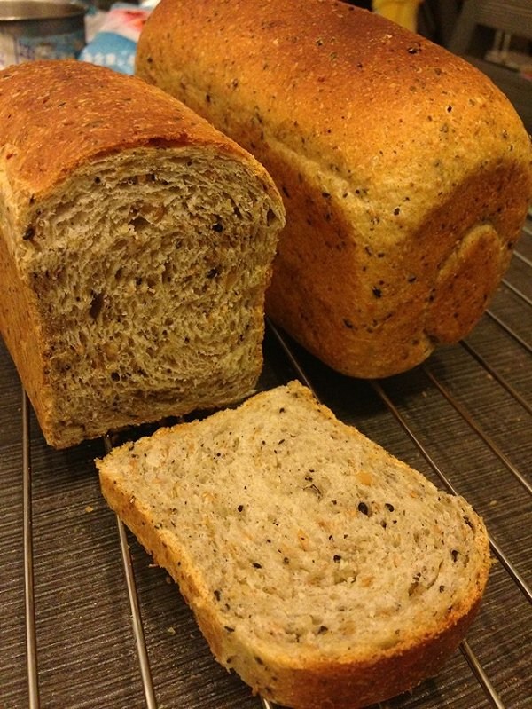 萝卜兔子做的全麦面包的做法