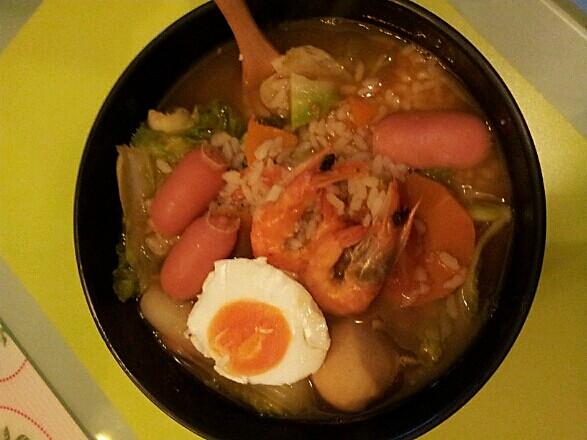 韩式海鲜泡饭图片