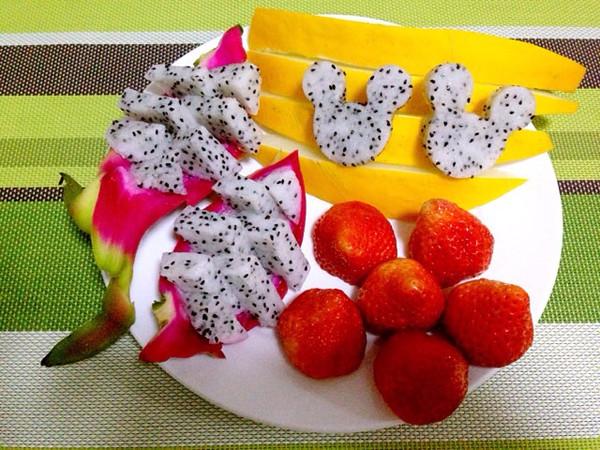 舞燕的果盘:火龙果的4种切法(水果切法图解)做法的照图片