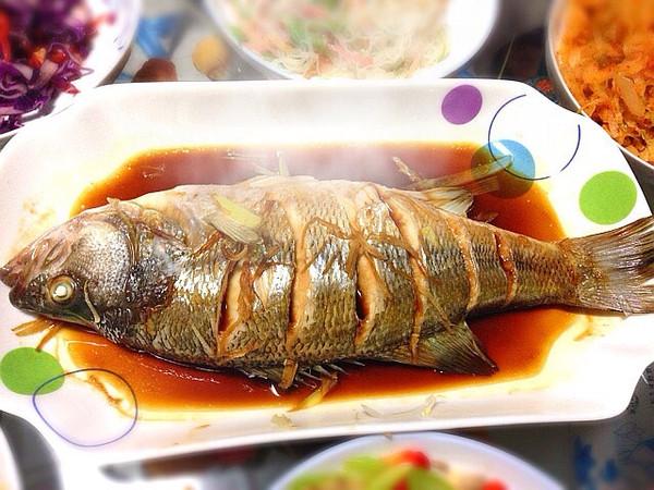 年饭鱼手绘图片