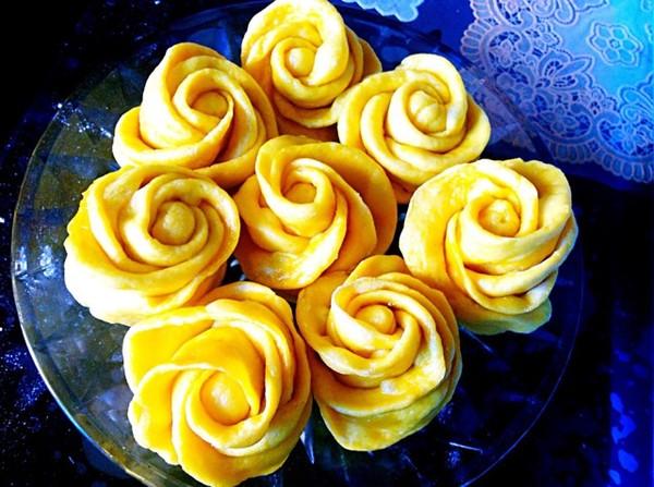 缪不可言3做的奶香玫瑰花卷的做法
