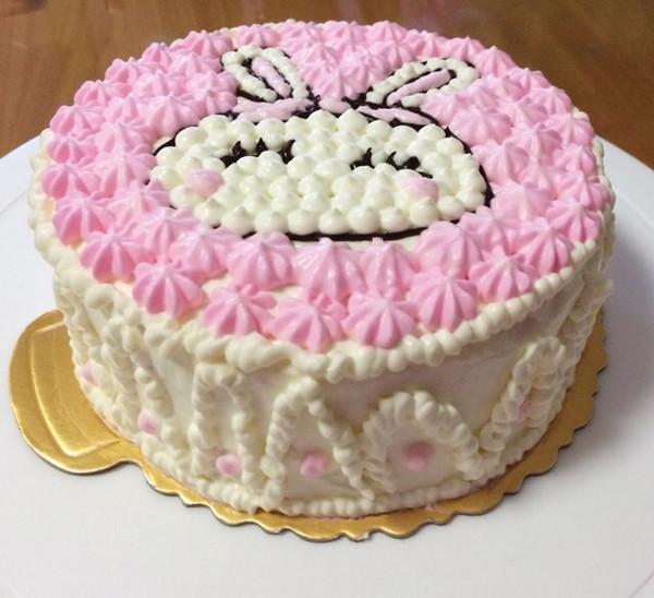 浮生若瞬的6寸奶油蛋糕(卡通猪)做法的学习成果照