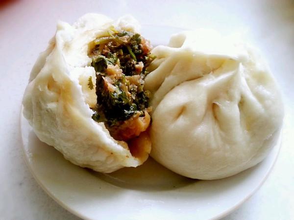阳丹宇做的野菜大包子的做法