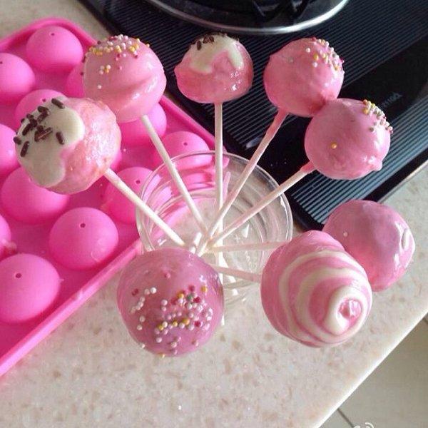 王桃子做的棒棒糖蛋糕的做法