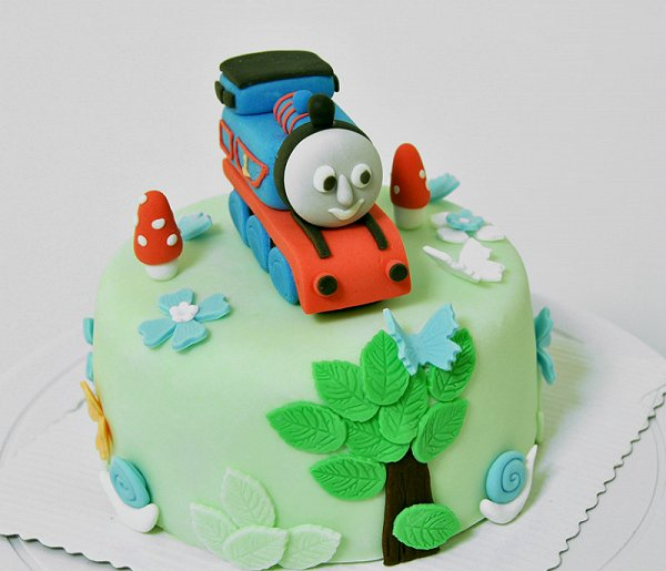 花姐姐甜品私人定制的翻糖立体卡通造型蛋糕做法的照