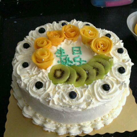 小鱼鱼22做的生日蛋糕的做法_豆果美食