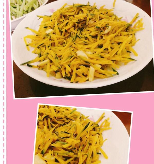 爱吃西瓜的鱼做的酸辣南瓜丝的做法_豆果美食