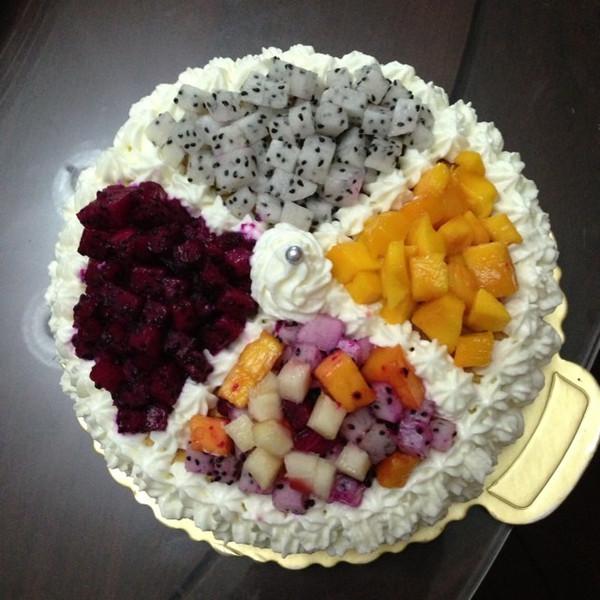 2013嘟嘟做的水果生日蛋糕的做法