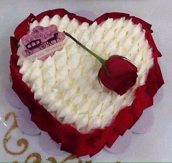 玫瑰花心形蛋糕图片