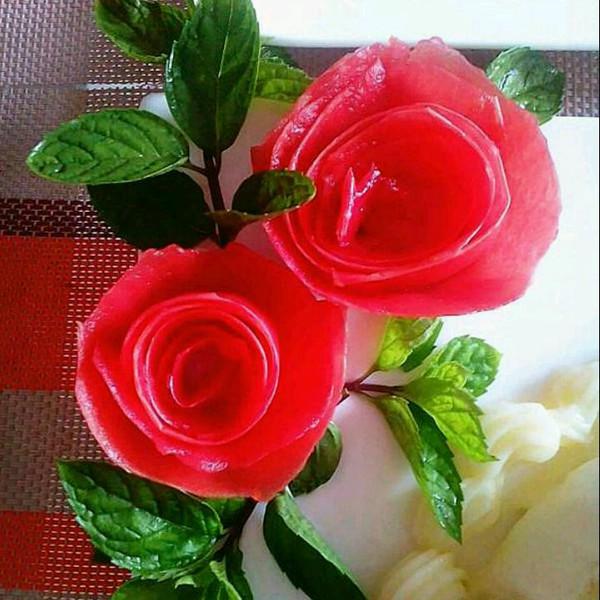 甜入心做的西红柿玫瑰花的做法
