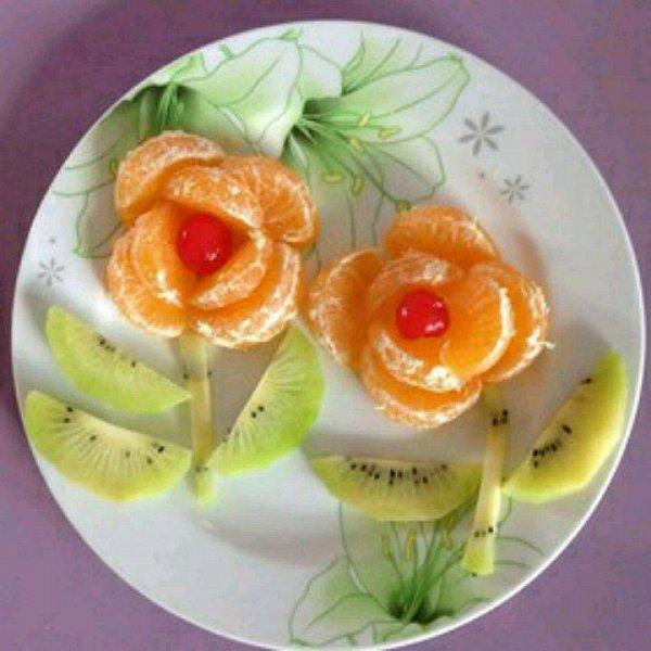 没有雨的季节做的水果拼盘的做法