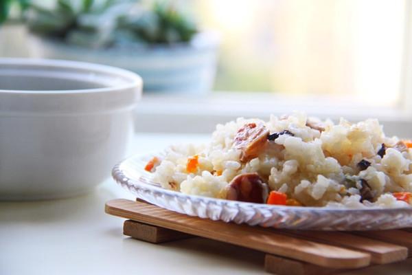 米饭盘子简笔画