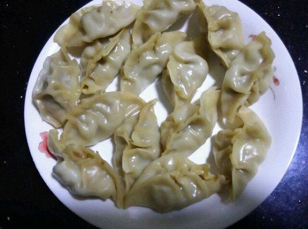 蒸芹菜饺子的做法