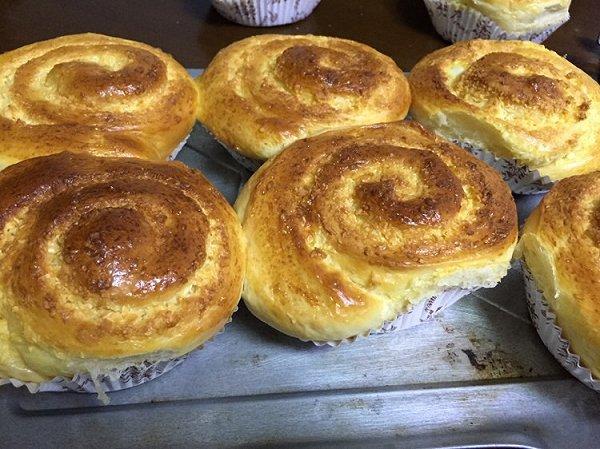 纽扣大厨的蜂蜜椰蓉面包高筋粉烤箱做面包焦糖脆面包