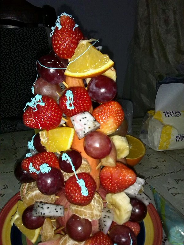 ご雪じ做的水果圣诞树的做法