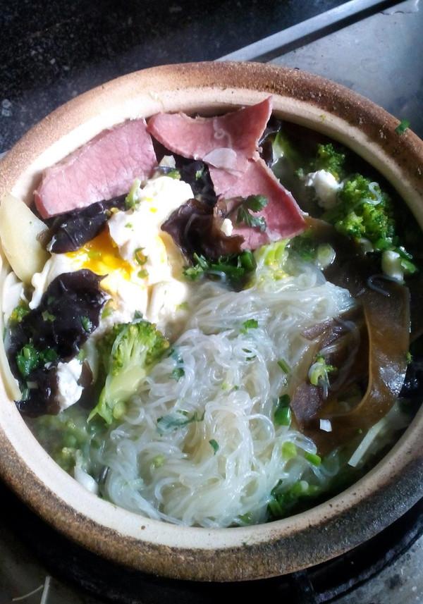 砂锅三鲜米线