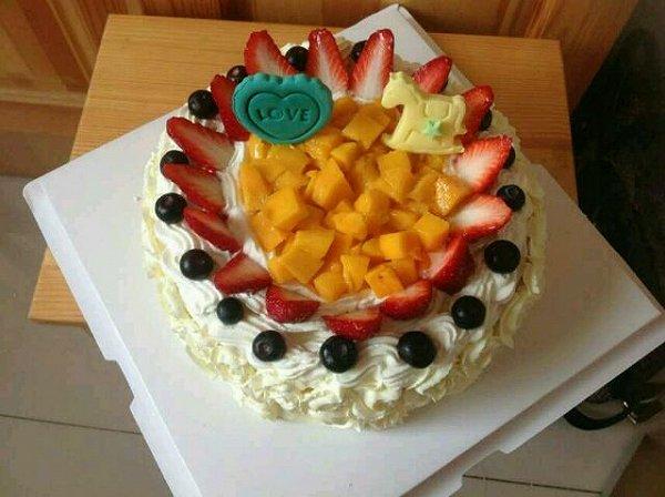 love柠檬宝贝做的生日蛋糕的做法