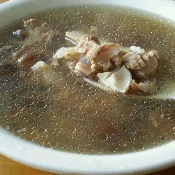 韩家心心的香菇炖排骨汤的