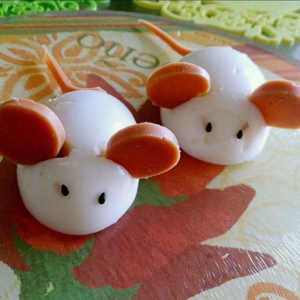 heyjim做的两只小老鼠儿童早餐的做法