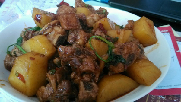 红烧排骨土豆