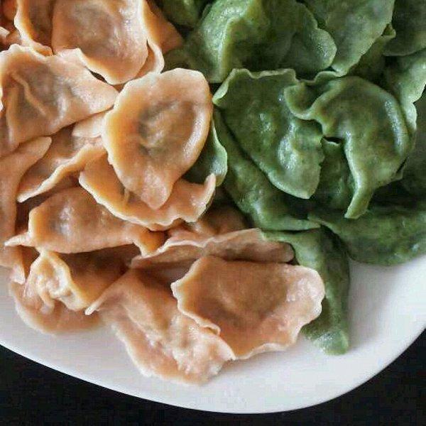 绿色纯手工彩色花样水饺